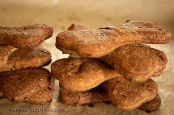 Flax Seed Dog Biscuits Recipe | WhiteOnRiceCouple.com