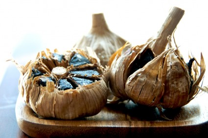 black-garlic-noodles-2