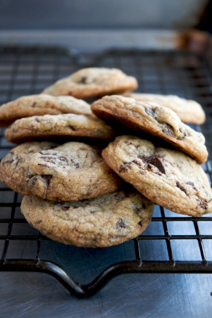 Chocolate Chip Cookies Recipe | WhiteONRiceCouple.com