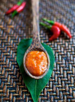 Homemade Sriracha Chili Hot Sauce Recipe @whiteonrice