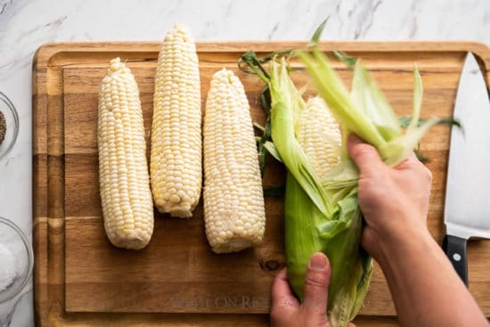 removing husk from corn for air frying