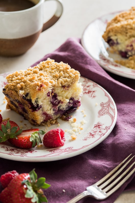 Blueberry Buttermilk Breakfast Cake with Berries that's moist, tender and delicious. | @whiteonrice