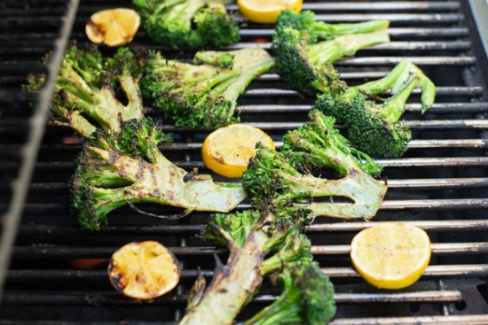 Broccoli and lemons on the grill