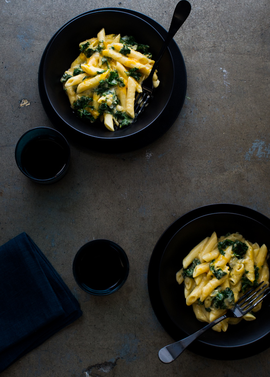 Easy One Pot, Stove Top Creamy Kale Mac and Cheese in a bowl