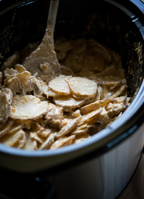 Slow Cooker Scalloped Potatoes by WhiteOnRiceCouple.com