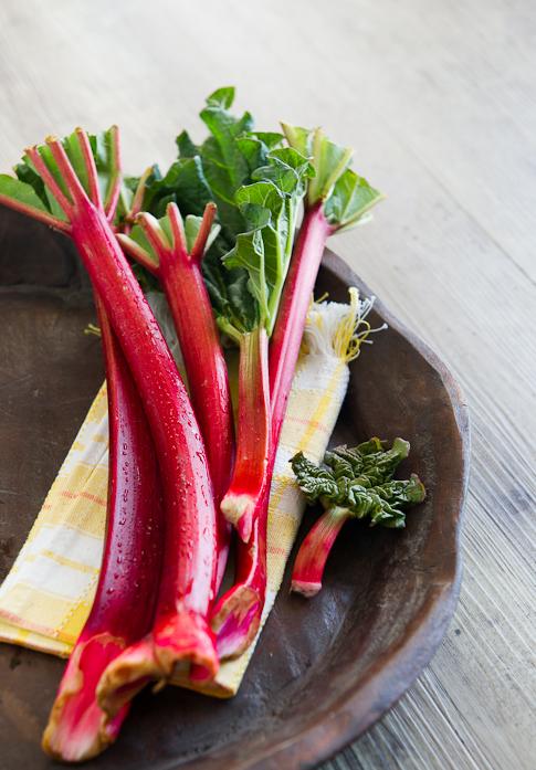 garden rhubarb from whiteonricecouple.com