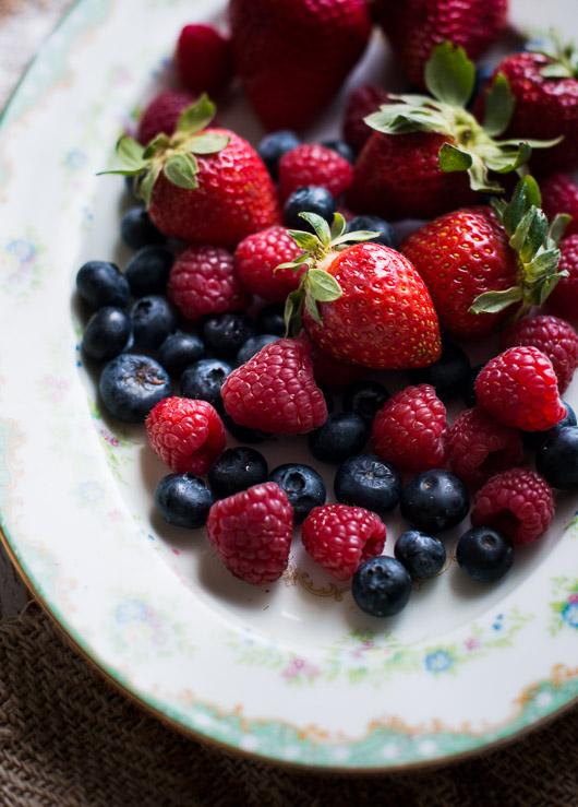 cotton cheesecake recipe with berries @whiteonrice