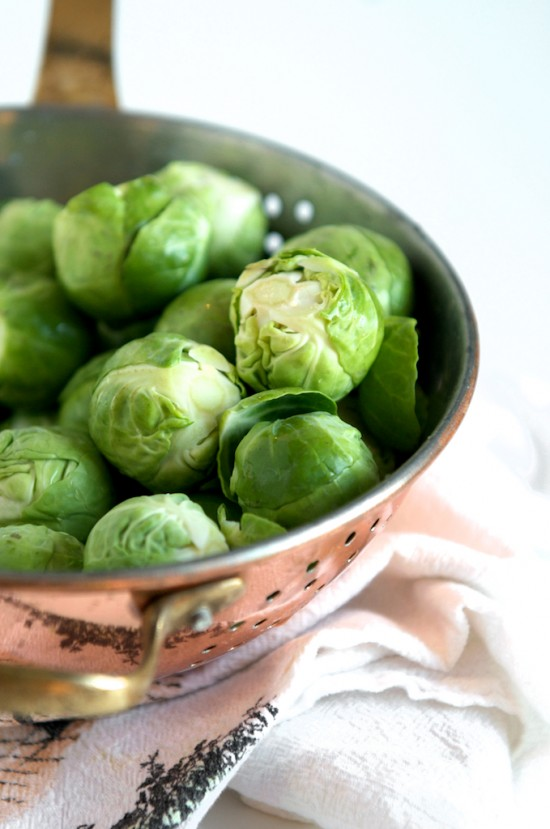Braised Brussels Sprouts Recipe with Bacon for a favorite brussels sprouts recipe for holidays and Thanksgiving | @whiteonrice