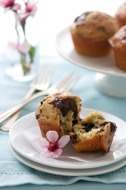 Blood Orange and Chocolate Muffins on WhiteOnRiceCouple.com