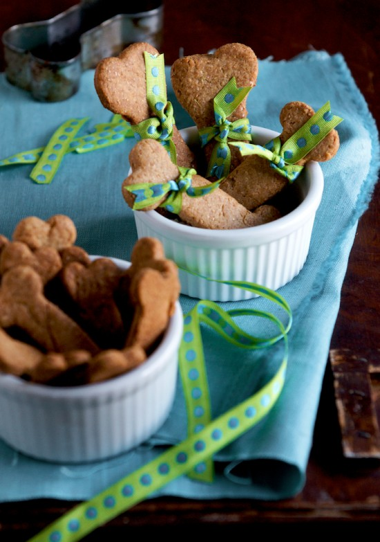 dog biscuits recipe with bow