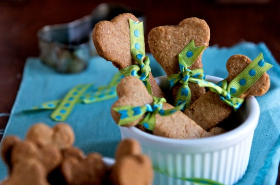 dog biscuits recipe from WhiteOnRiceCouple.com