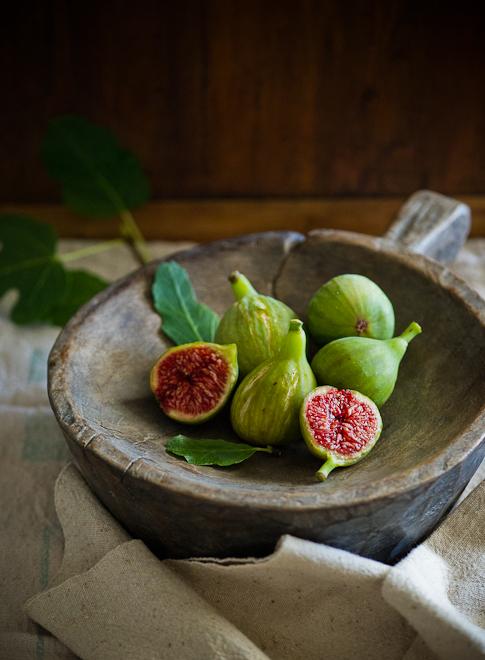 garden fresh figs in bowl