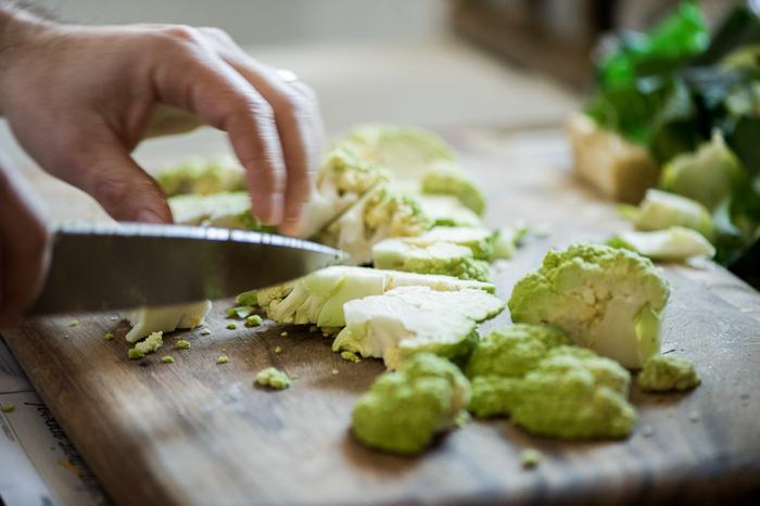 keto cauliflower recipe with parmesan low carb   whiteonricecouple.com