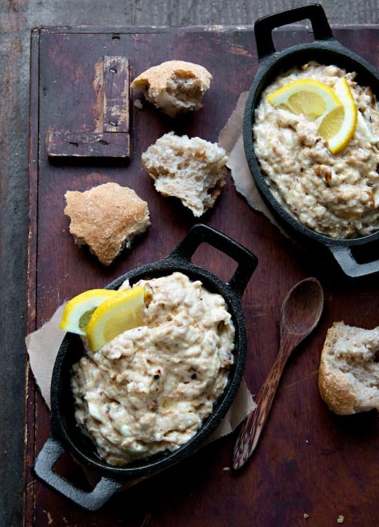 Hot Crab Dip Recipe   WhiteOnRiceCouple.com