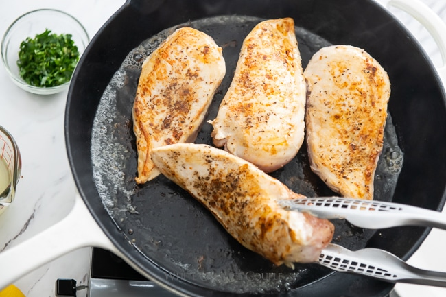 skillet one pot chicken recipe from whiteonricecouple.com
