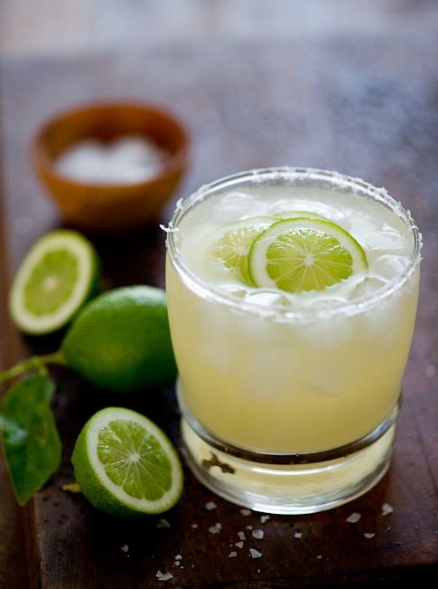 Classic Margarita Recipe : a refreshing cocktail for all occasions on WhiteOnRiceCouple.com