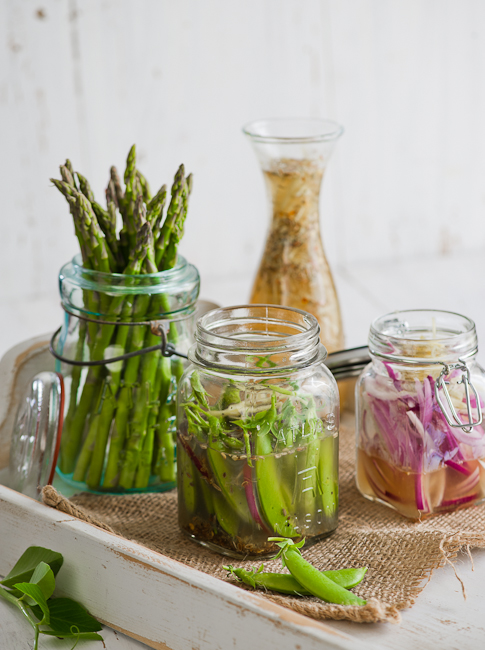 Easy Quick Peas Asparagus Pickles in Fridge on WhiteOnRicecouple.com
