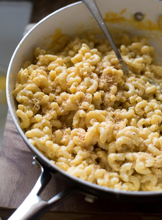 Super easy Stove Top Creamy Mac and Cheese in a skillet