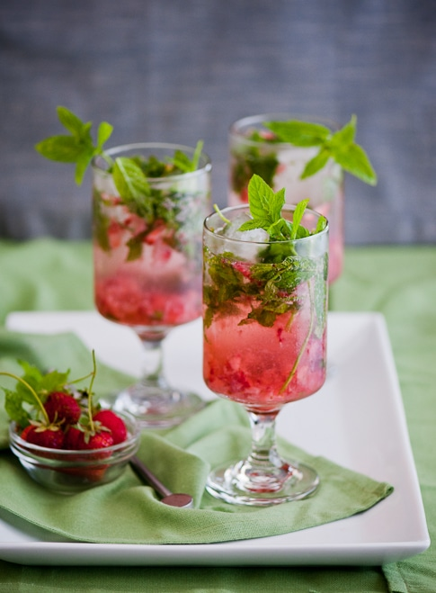 Strawberry Mojito Cocktail Recipe with Rum and Fresh Strawberries | @whiteonrice