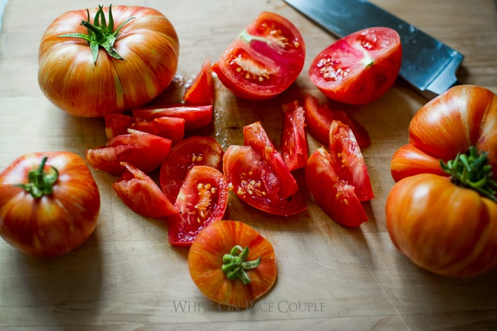 Savory tomato crisp recipe with fresh heirloom tomatoes recipe @whiteonrice