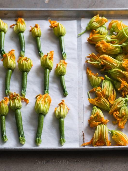 Flores de calabacín rellenas de cerdo vietnamita: receta sabrosa y deliciosa para los amantes del calabacín |  @whiteonrice
